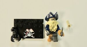 One Pirate figurine with accessories
