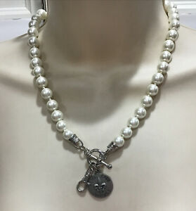 Jewel Kade White Pearl Toogle Style Closure Necklace