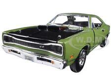 1969 DODGE CORONET SUPER BEE GREEN 1:24 DIECAST MODEL CAR BY MOTORMAX 73315
