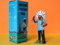 BRITAINS 22b MINT BOXED PICTURE PACK LEAD WILD WEST N.AMERICAN INDIAN WITH KNIFE