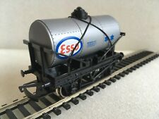 Hornby R008 ESSO Tank Wagon Boxed Tracked 48 Post