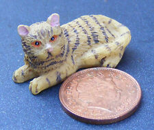 1:12 Scale Striped Laying Cat Dolls House Miniature Living Room Accessory LK8