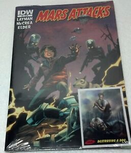 2012 Mars Attacks! IDW #9 issue w/#36A Trading card  MINT SEALED.