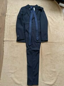 Zara Boys Suit and Tie 11 - 12 years