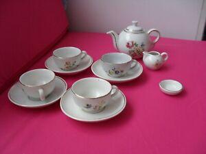 CHILDS VINTAGE TOY TEA SET.