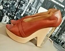 🎀Authentic CHLOE Rich Brown Leather Peep Toe LUCITE WOOD Heels 39.5🎀