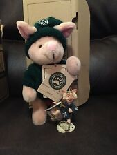 Boyds Disney Exclusive Winter Holiday Piglet With Ornament
