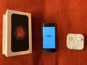 Apple iPhone SE - 16GB - Black (Unlocked) A1723. Boxed With New Headphones