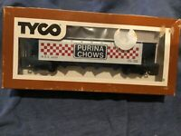 """TYCO HO SCALE """"PURINA CHOWS,"""" Box Car, New and Sealed in the Original Box"""