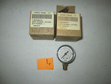 "2 NEW IN BOX FISHER PRESSURE GAUGE 11B4038X012 1.5"" 0-30 PSI 3/8"" NPT (DR2F2)"