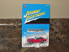 Johnny Lightning 1965 Ford Mustang Convertible 2002 PMD Exclusive Pink 3910/5000