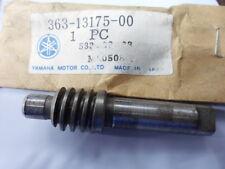 NOS Yamaha  Oil Pump Worm Shaft 1974-1976 DT400 1973-1974 SC500 363-13175-00