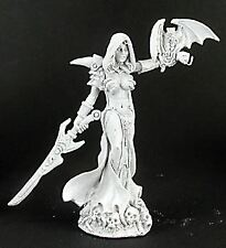 Reaper Miniatures Dark Heaven Legends 02986 Eldessa,  Necromancer