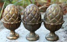 3 pignes de pin en bronzes