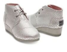 TOMS Wedge Silver Metallic Animal Print Desert Wedge Shoes Kids Girls 4Y $69