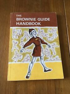 """Vintage """" The Brownie Guide Handbook."""" Second Edition"""