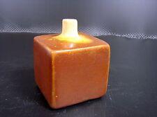 Petit VASE cube soliflore céramique emaillé signé Sanam Emami Ecole Americaine