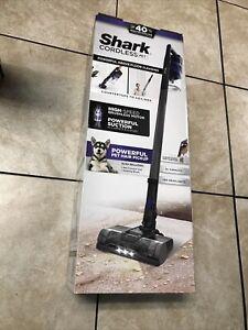 Shark IX141 Rocket Bagless Cordless Pet Handheld/Stick Vacuum In Blue Iris NEW