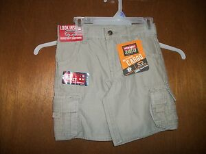 Wrangler ADJ Waist beige Khaki Dust Cargo Shorts NWT 4 - 6 Husky  Loose fit