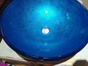 RARE COLOUR Verdazurro Fluorescent Blue glass vessel