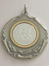Jolie Médaille d'Athlétisme 11e CROSS . AUCHAN