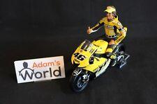 """Minichamps Figurine Valentino Rossi (ITA) 1:12 Yamaha 2005 Laguna Seca """"sitting"""""""