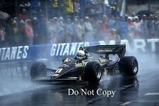Elio de Angelis JPS Lotus Monaco GP 1984 fotografía 2
