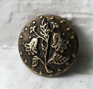 Small Antique brass picture button~very detailed LEAF and bell flowers~18mm
