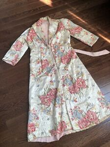 1940s quilted robe