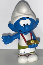 NEW Smurf with Medal 20822 Year 2020 Smurfs 2 inch Plastic Figurine Winner