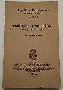 VINTAGE AIR RAID PRECAUTIONS HANDBOOK.1943.PROTECTION AGAINST GAS.PROP/DISPLAY.