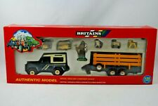 1:32 Britains 9651 LAND ROVER 90 Farm Vehicle & SHEEP ANIMAL Trailer +FARMER MIB