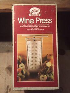 BOOTS WINE VINTAGE PRESS / FRUIT PRESS NEW UNUSED IN BOX.