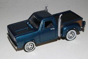 JOHNNY LIGHTNING 1978 DODGE PICKUP TRUCK, BLUE, 1:64, EXCELLENT