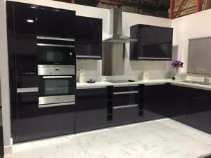 Kitchen Units Aubergine High Gloss - Handleless Design