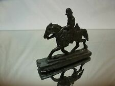 TIN - GERMAN SOLDIER ON HORSE  WW2  WW1  GERMANY SOLDIER - VERY GOOD