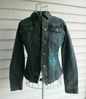 NWT Yuka Jeans Denim Jacket Embroidered Floral Details Blue Size Medium Petite