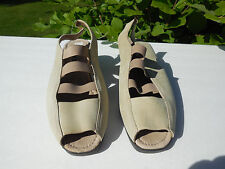 ECCO LADIES TAUPE SUEDE SLINGBACK WEDGE SANDALS SHOES SIZE 10.5-11 B / EUR 41