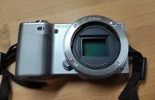 Sony Alpha NEX-5 14.2MP Digitalkamera - Silber - nur Gehäuse - Body