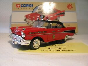 CORGI CLASSICS 1:43 CHEVROLET - CHICAGO FIRE CHIEF    97389