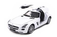 Welly 1:24 Mercedes Benz SLS AMG Diecast Model Car New White