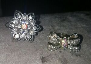 2 x Lovely ladies Silver Finish Sparkly Diamante Large Rings. Flower & Bow