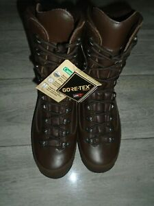 BRITISH ARMY WOMENS COLD WET WEATHER BOOTS SIZE 8M NEW