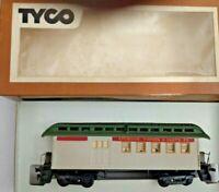 HO scale Tyco Santa Fe 1890 Combine car Vintage