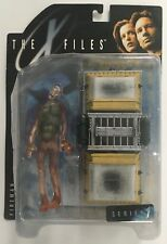 THE X-FILES SERIES 1 FIREMAN ACTION FIGURE WITH CRYOLIFTER CHAMBER MIB