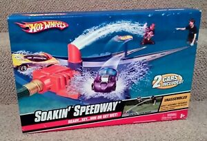 2008 Hot Wheels Soakin' Speedway (New Old Stock) • MATTEL• SEALED