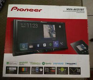 "Pioneer MVH-AV251BT with Apple CarPlay 7"" Mechless Receiver"