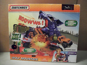Matchbox 2009 Wolf Mountain A Mountain Adventure Playset Retired