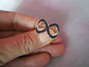 Black Spinel infinity ring, 0.74 carats, size N/O, 3.52 grams 925 Sterling Silve