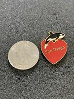 San Diego Love Heart Shamu Killer Whale Travel Souvenir Pin Pinback #38554